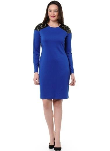 Limon Company Zımba Deri Omuz Detaylı Bato Yaka Uzun Kollu Kadın Elbise Saks